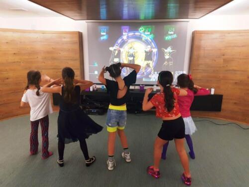 KIT 8 – JUST DANCE COM KINECT